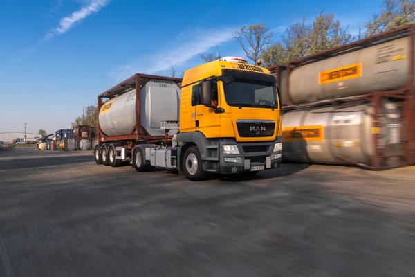 Moving-Bertschi-Truck